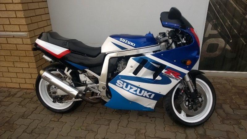 Suzuki 1100 - Brick7 Motorcycle