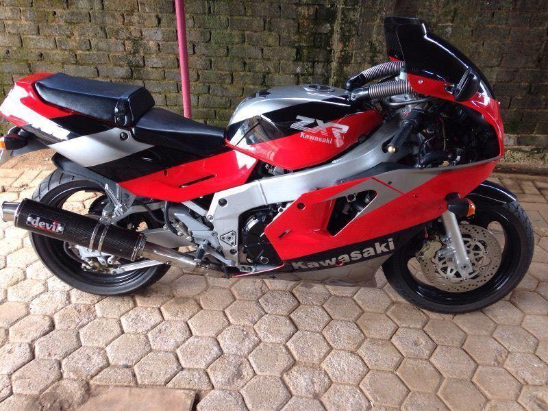Kawasaki 750 - Brick7 Motorcycle