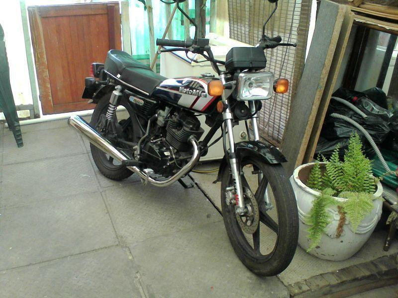 Motomia 150cc motor bike in almost new condition bike is 100% licence