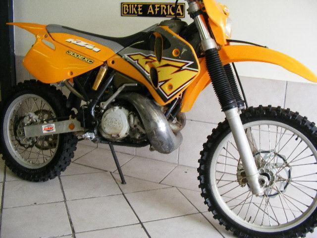 1998 KTM EXC 300 @ BIKE AFRICA