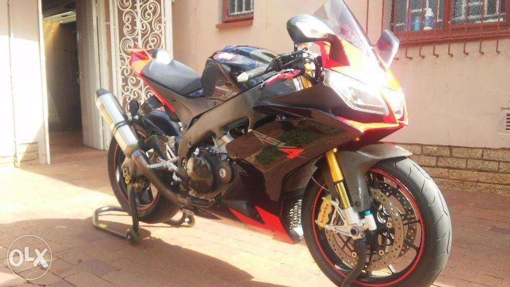 Awsome aprillia rsv4 1000r factory 9swop/trade)
