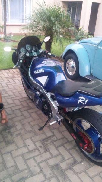 1998 Yamaha FZR1000