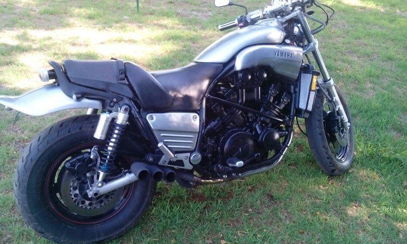 Yamaha Vmax 1200 - Brick7 Motorcycle