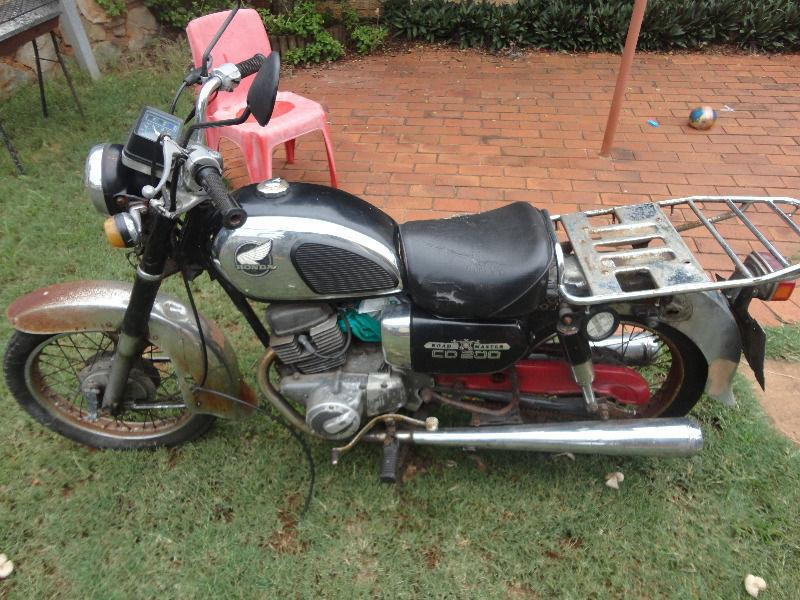 BARGAIN - HONDA CD 200 - NEEDS TO BE RESTORED!!!