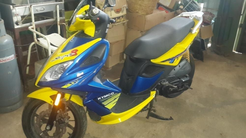KYMCO Super 8 Scooter for sale - Excellent Condition, low mileage