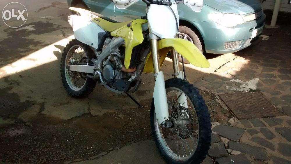 Suzuki RMZ 450 Dirt bike scrambler