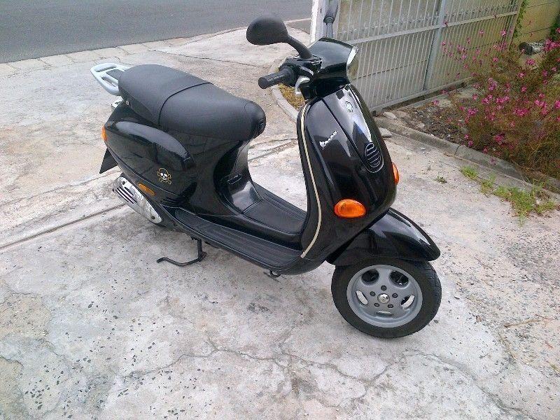 2Vespa ET4 125cc R22000