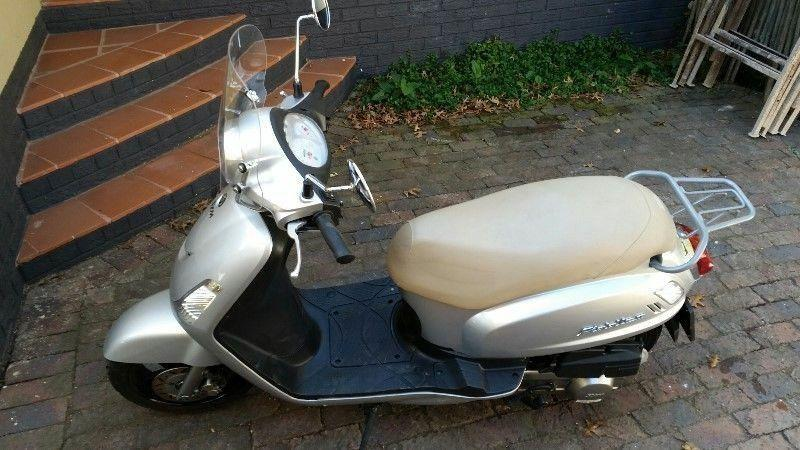 2014 Sym fiddle 150 silver great condition to swap or