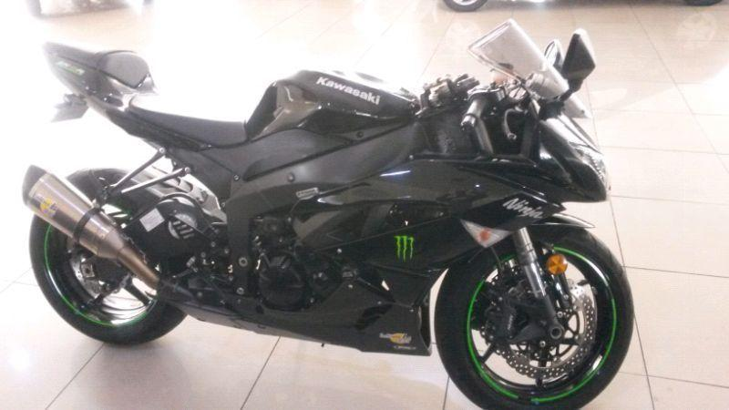 Kawasaki ZX6R 600cc Black Magnificent Condition Leo Vincent Exhausted