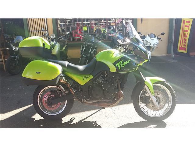 TRIUMPH TIGER 955i @ TAZMAN MOTORCYCLES