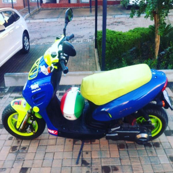 Jonway scooter free helmet