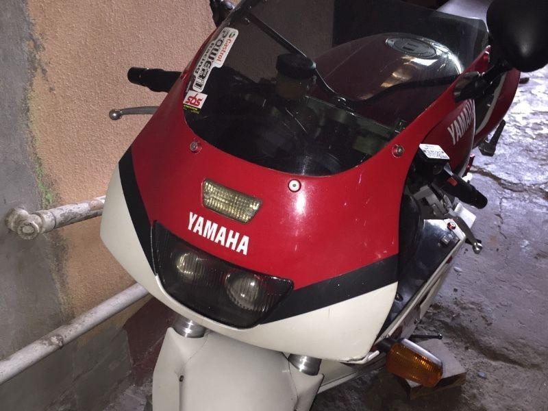 1992 Yamaha FZR1000 Exup