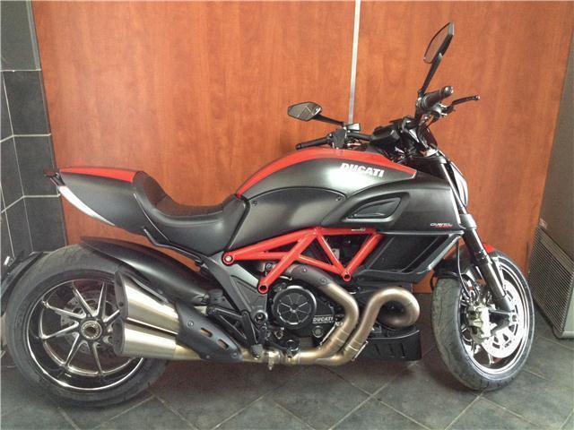 Ducati Diavel Carbon 2015 reg 2014