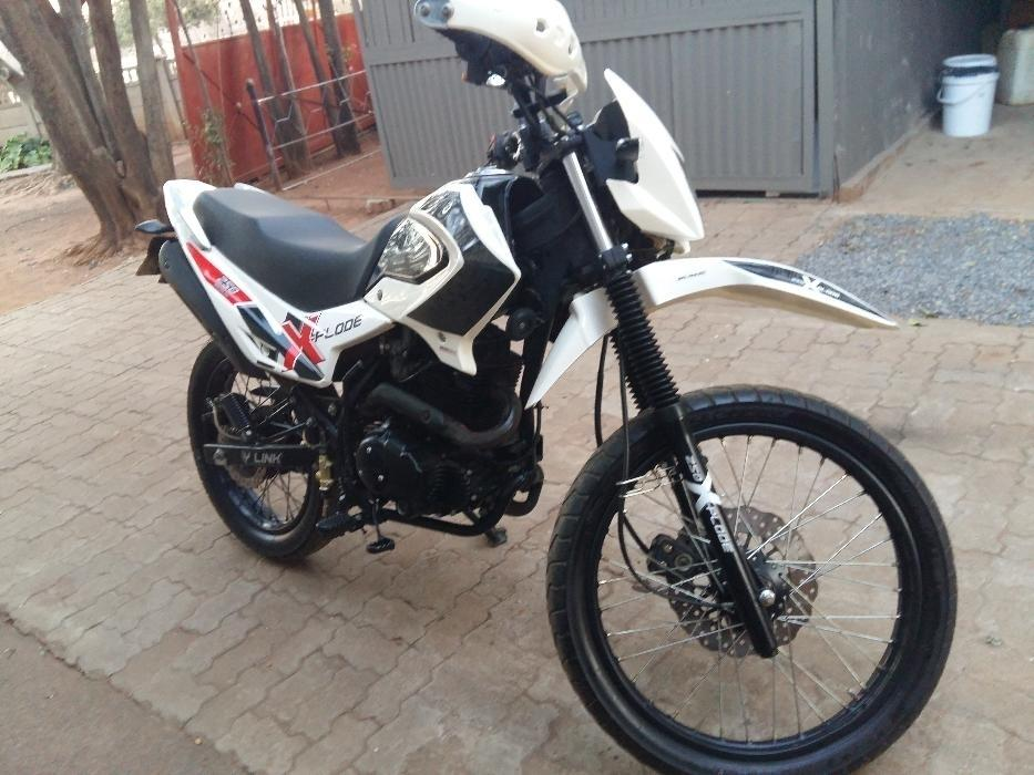 Bashan Explode 250cc motor bike for sale R10000