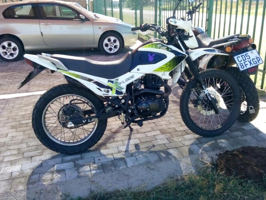 Bashan explode 250 motor bike