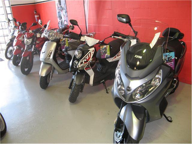 SYM SCOOTERS RANGE AT MOTOJUNCTION !! - 125cc to 600cc !! ON ROAD FEE SPECIAL ONLY R900!!
