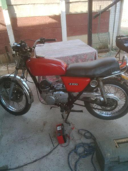 Kawasaki Z200 complete or parts
