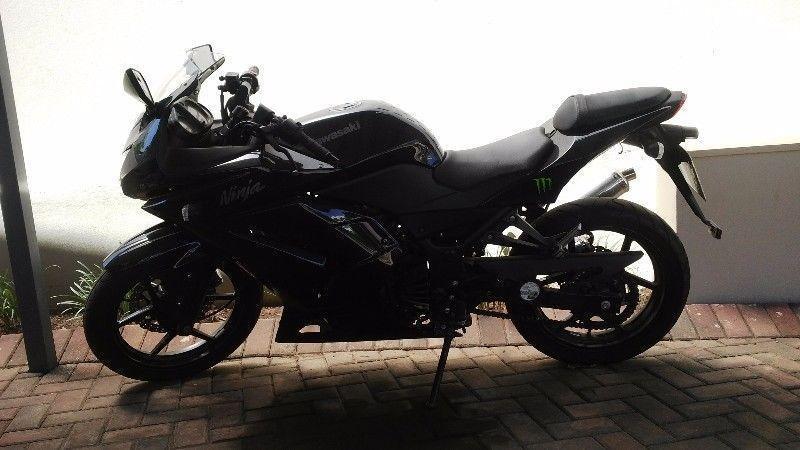 Kawasaki Ninja XZ 250 FOR SALE