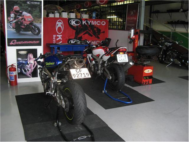 BIKE SERVICES/FITMENTS/REPAIRS AT MOTOJUNCTION ! (021 982 2333)