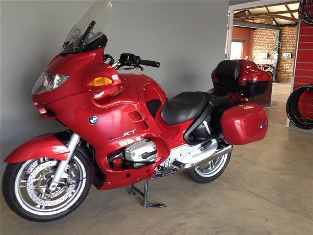 2005 BMW R1150RT - Red
