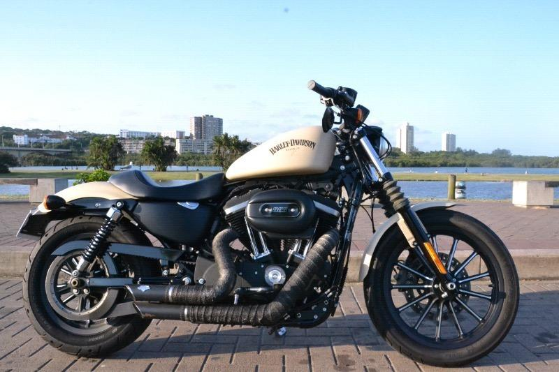 2014 Harley-Davidson Sportster XL883N Iron ABS