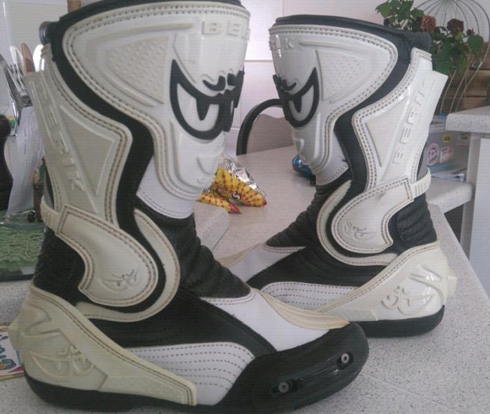 Nice Berik boots