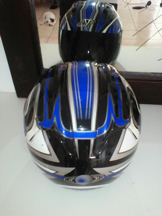 Helmet gloved