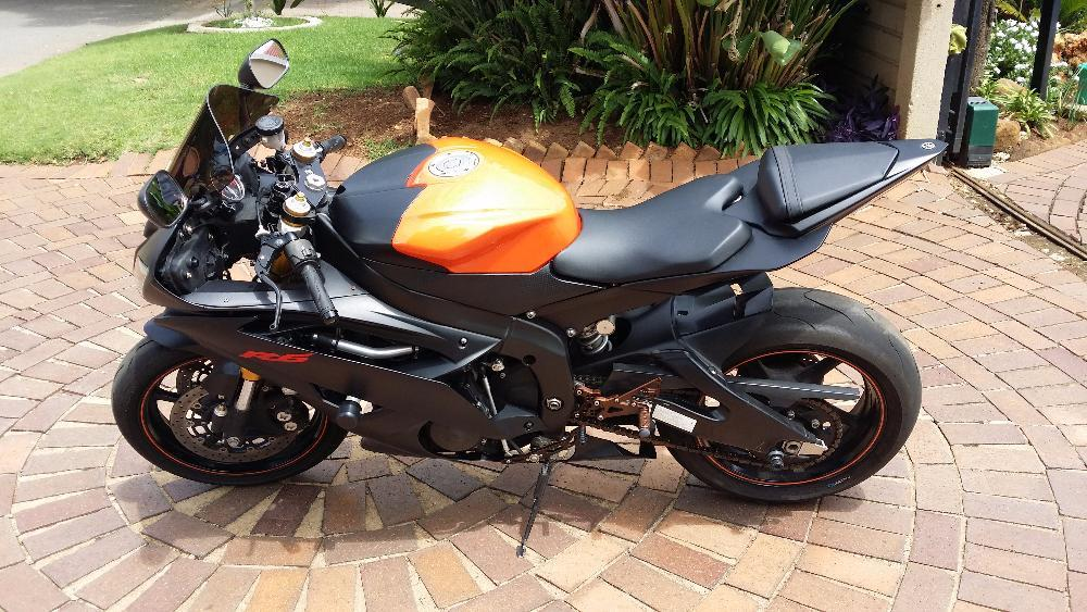 2008 Yamaha YZF-R6 Black and Orange 19200km