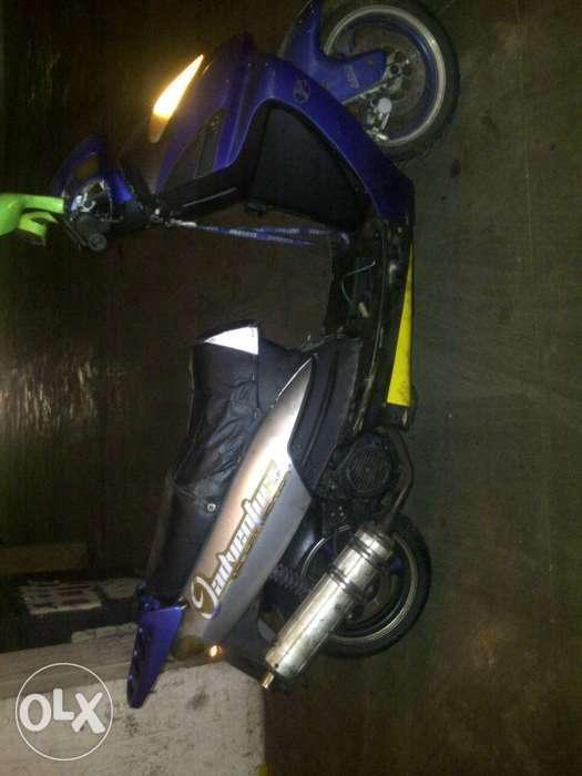 Jonway with papers and disc behind runner as is r2800