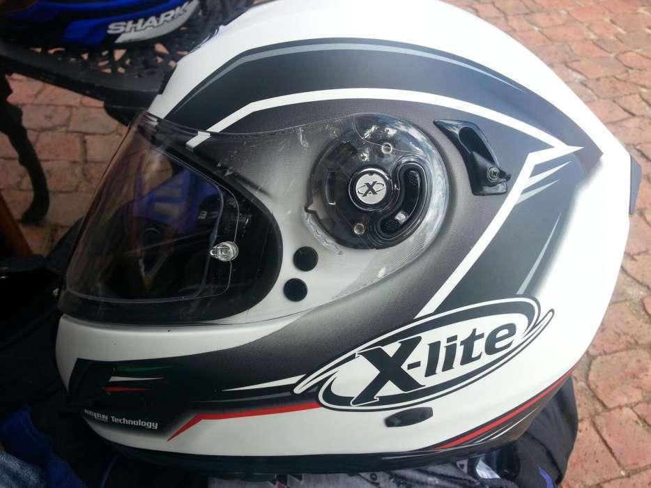 Xlite helmet, Medium. Basically new R3200