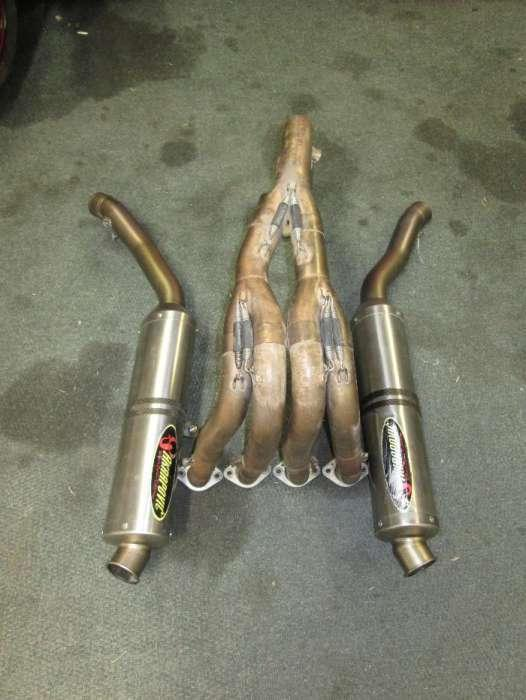 Yamaha R1 (04-06) full Akropovic exhaust system