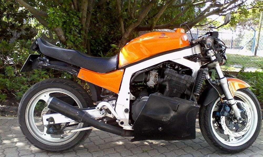 Suzuki Gsx 1100 - Brick7 Motorcycle