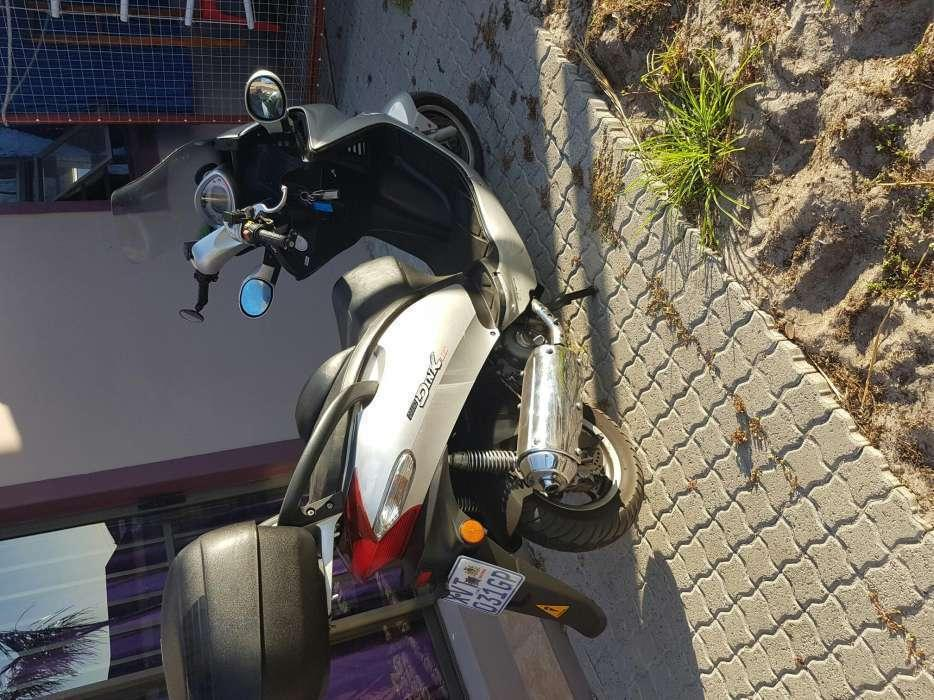 Kymco Grand Dink 250 cc scooter