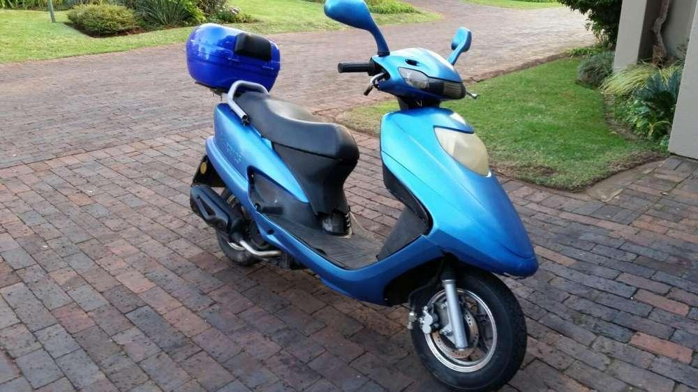 Jonway 125 scooter with papers running