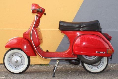 Vespa Px - Brick7 Motorcycle