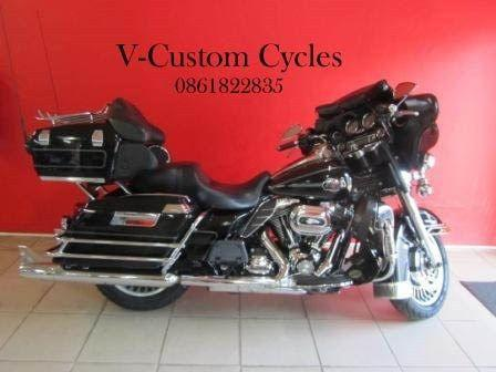 2010 Harley-Davidson Electra Glide Ultra Classic with Loads of Extras!
