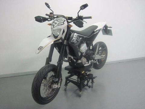 2012 HUSQVARNA 511cc SMR (ROAD LEGAL SUPER MOTARD)