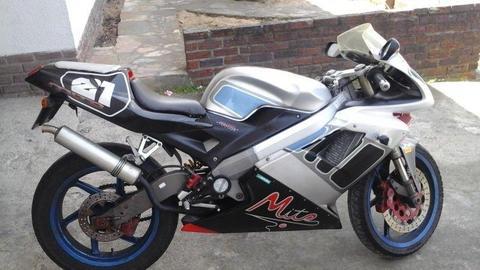 2004 cagiva mito 125cc two stroke motorbike