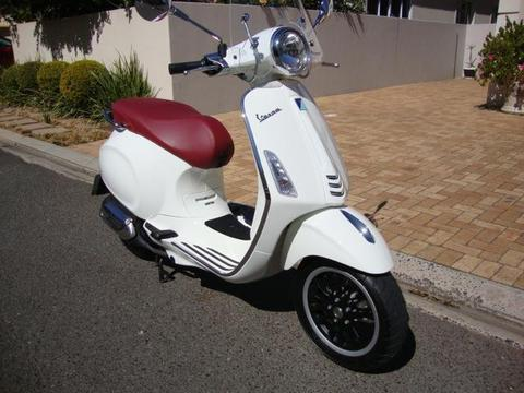 2015 Vespa 150 Primavera ABS - Only 130 Kms from new !