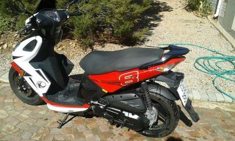 2015 Kymco Super 8 125 Red Scooter absolutely a bargain