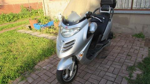 Kymco Grand Dink 250cc with Top Box for R17,500 NEG