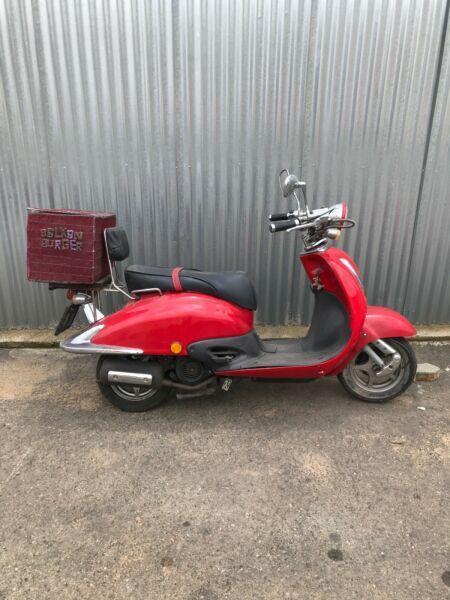 Scooter Vespa replica